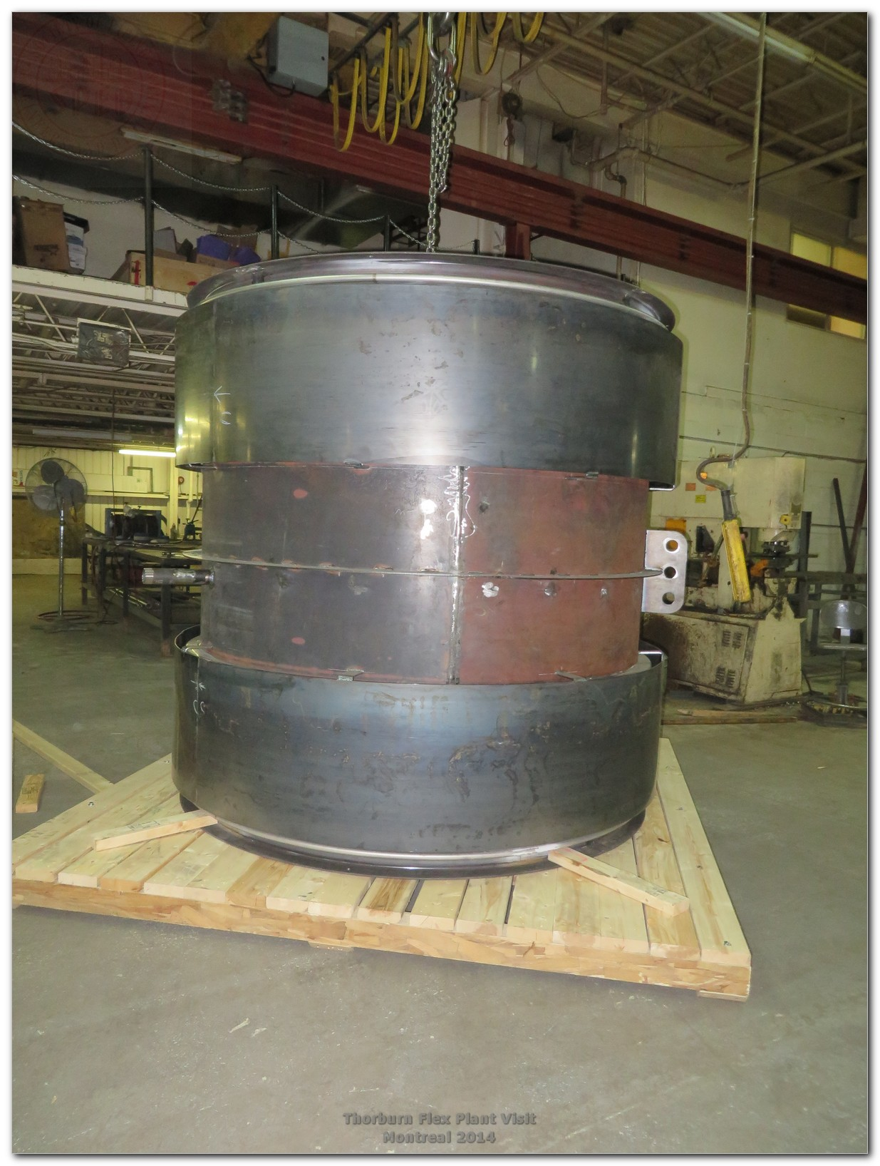 Universal metallic bellows expansion joint with corrosion resistant steel (Corten) spool pipe and covers installed over two bellows